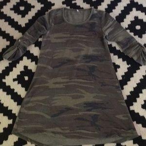 Z Supply Camo three quarter length sleeve dress